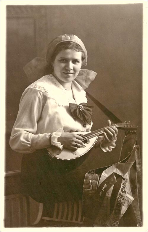 Mandolin Postcard 54