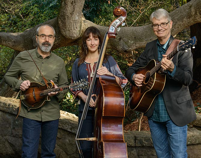 John Reischman, Sharon Gilchrist & Scott Nygaard, the Harmonic Tone Revealers.