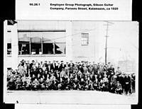 Click image for larger version.  Name:1929 Gibson Factory workforce.jpg Views:146 Size:85.6 KB ID:118202