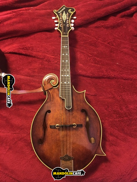Gibson Nouveau mandolin
