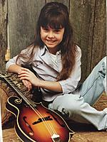 Click image for larger version.  Name:Sierra Hull young.jpg Views:35 Size:410.4 KB ID:183260