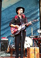 Click image for larger version.  Name:Aaron-Embry-tenor-guitar.jpg Views:450 Size:69.0 KB ID:86965