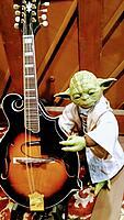 Click image for larger version.  Name:Yoda Mandolin.jpg Views:26 Size:136.0 KB ID:194667
