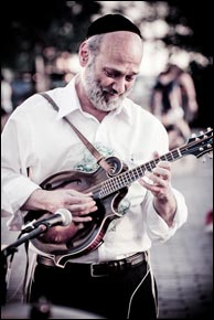 Andy Statman with his Kimble Mandolin. Photo credit: Arianys Wilson - www.nanynany.com