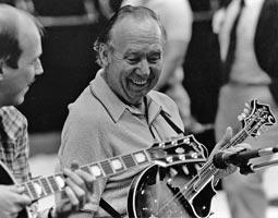 Don Stiernberg on guitar and Jethro Burns on mandolin. Photo credit: E.J. Stiernberg.