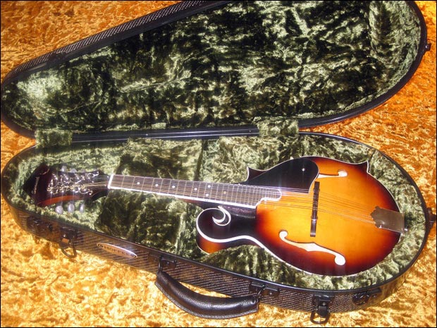 Hoffee Carbon Fiber Mandolin Cafe
