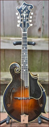 March 31, 1924 Lloyd Loar Mandolin. Photo credit: Annie Tichenor. Click to enlarge.