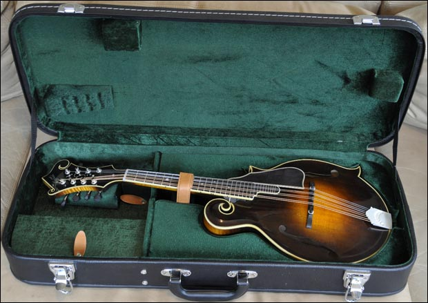 Northfield Giveaway Mandolin with case