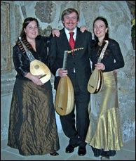 TrioMiSu with Silke Lisko - mandolin and Mirko Schrader - guitar. Click to enlarge.